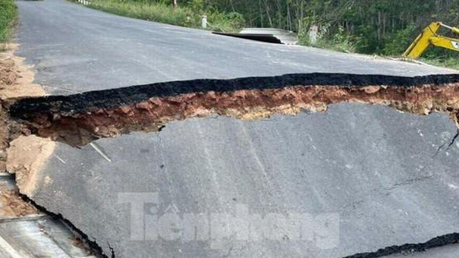 Bình Dương phong tỏa đường ĐH 701 vì cầu sập do sạt lở