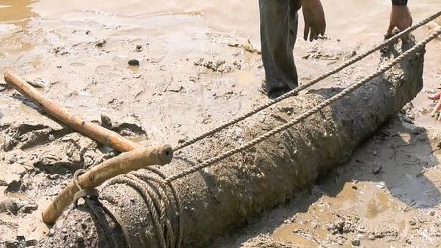Phát hiện quả bom nặng 227 kg dưới lòng sông Thạch Hãn