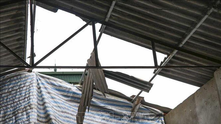 Mưa lớn kèm gió lốc gây thiệt hại tại Đắk Nông