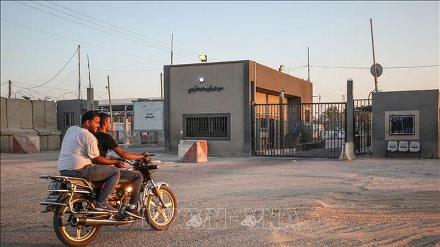Israel mở lại cửa khẩu thương mại Kerem Shalom