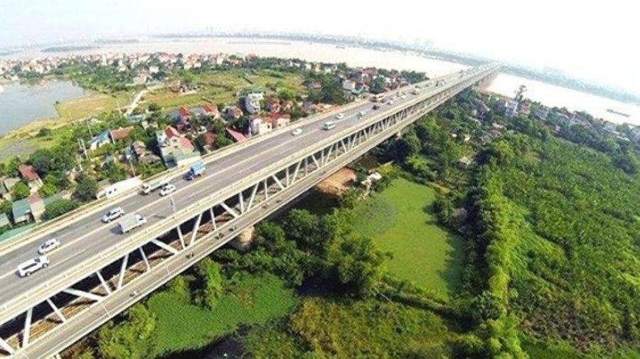 Doanh nghiệp 'đầu tàu' thi công đường cao tốc, cầu lớn