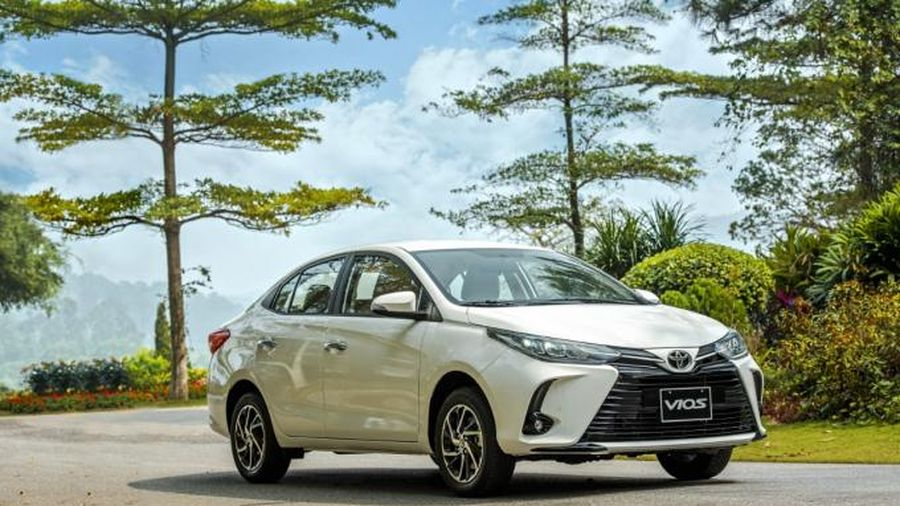 Toyota Vios giảm giá mạnh ở một số đại lý