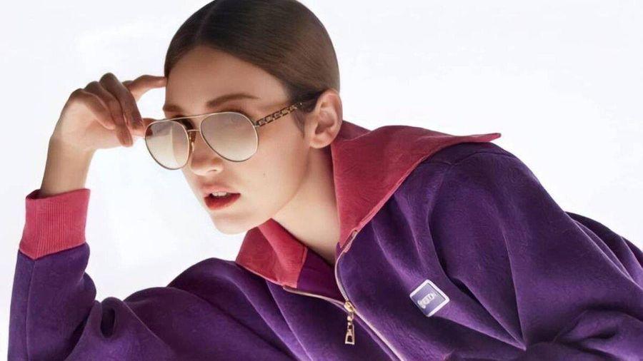 Nữ ca sĩ lai Jeon Somi trở thành đại sứ cho chiến dịch kính mắt toàn cầu của Louis Vuitton