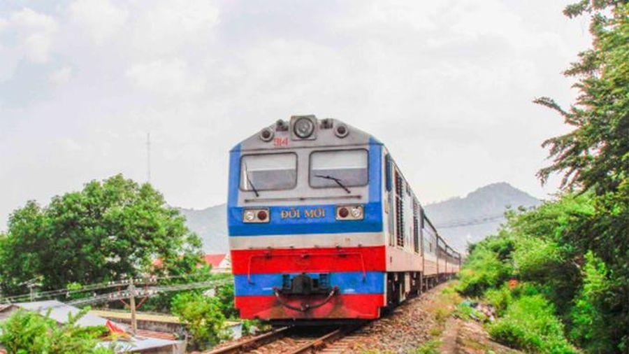 Tiếp tục tạm ngưng một số đoàn tàu tuyến Nha Trang - TP. Hồ Chí Minh