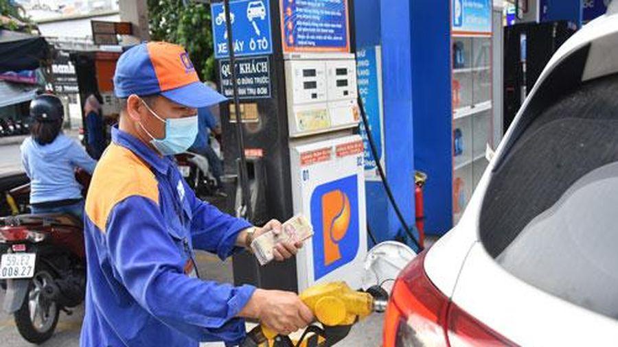 Quỹ bình ổn giá xăng dầu dư hơn 5.300 tỷ đồng, nhưng nhiều thương nhân đầu mối âm quỹ