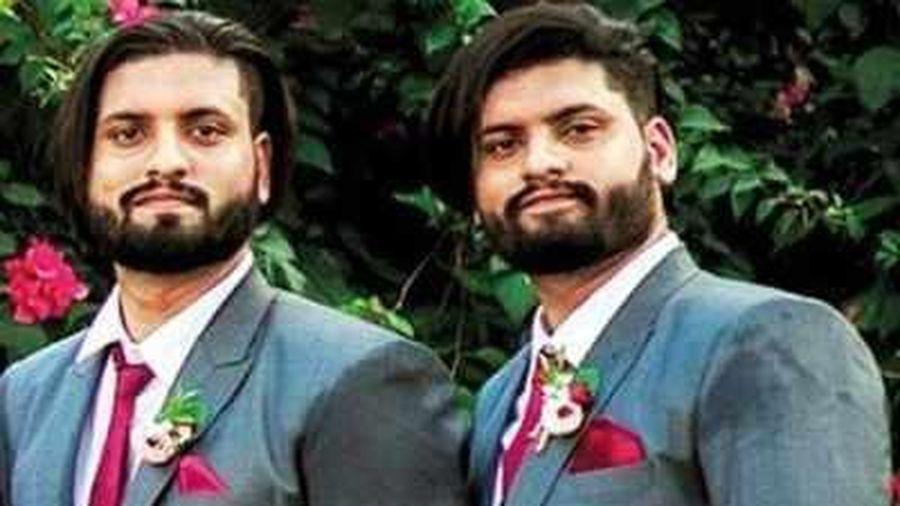 Cặp sinh đôi Ấn Độ cùng chết vì COVID-19