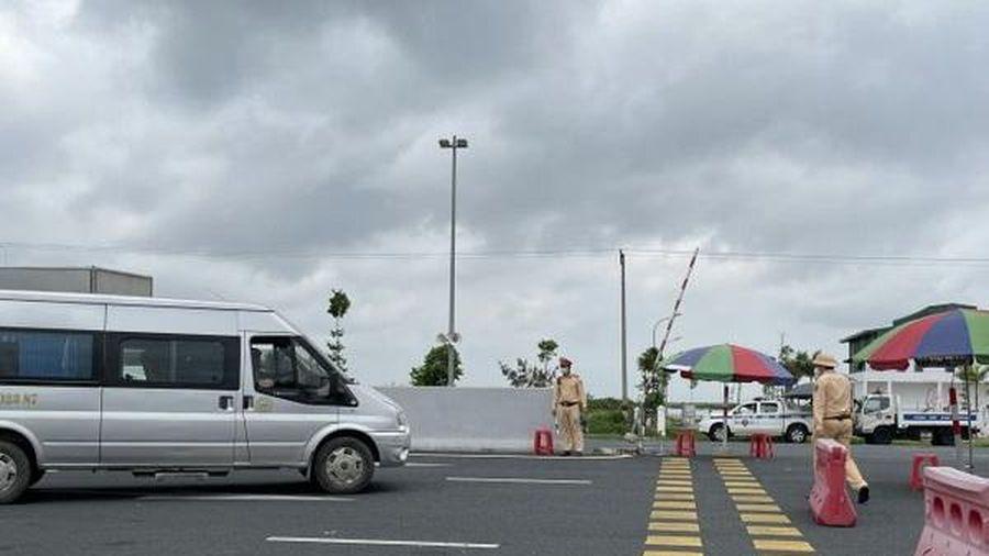 Kiểm soát phòng dịch ở bến xe và người tham gia giao thông