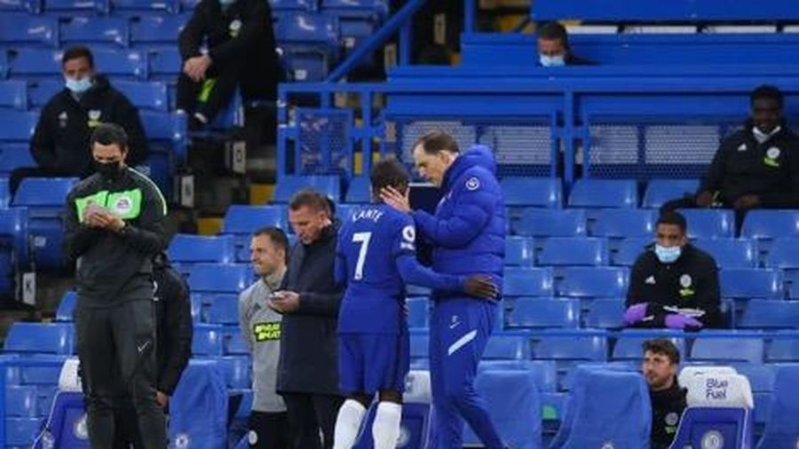 Chelsea trả giá đắt sau 'cuộc báo thù' Leicester