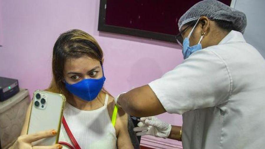 Mỹ tăng chia sẻ vắc-xin, Ấn Ðộ tiếp tục hoãn xuất khẩu