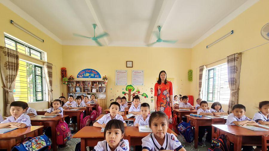 Không thể giải quyết bài toán ngân sách, đặt hàng đào tạo giáo viên thế nào?
