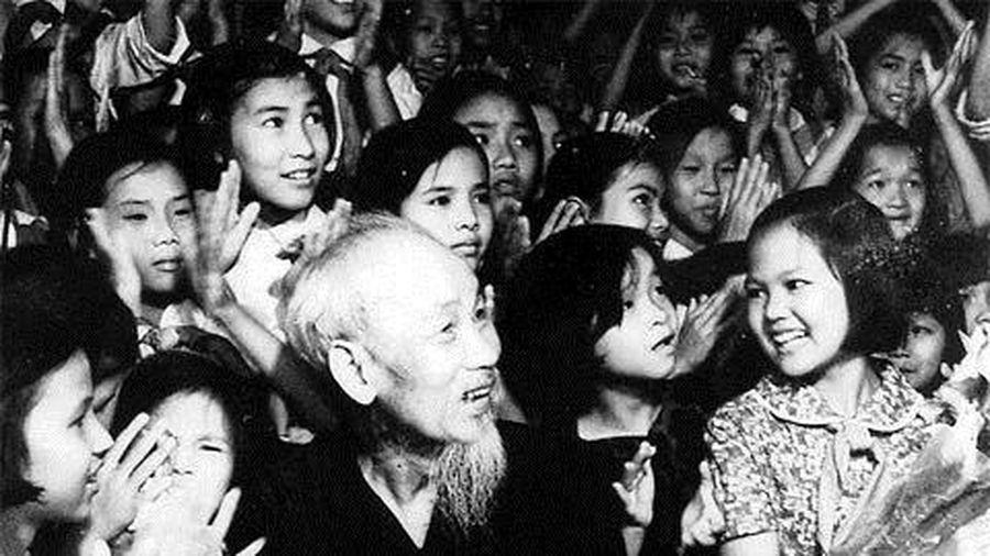 Hà Nội trong lần đầu kỷ niệm sinh nhật Bác