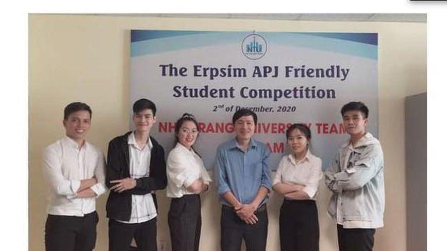 Đội tuyển trường ĐH Nha Trang lọt Top 10 giải ERPsim toàn cầu