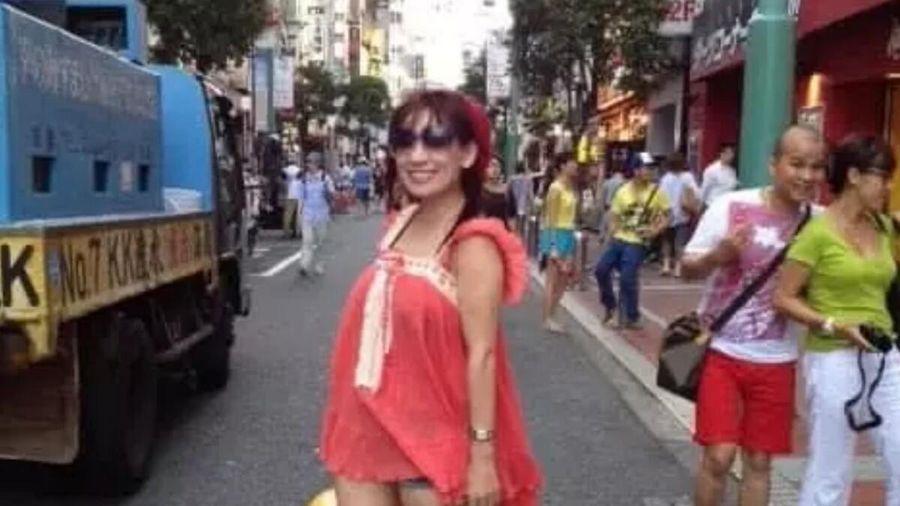 Phi Nhung bị 'đào' lại loạt ảnh mặc lố ở Nhật, fan chê thảm họa, diêm dúa