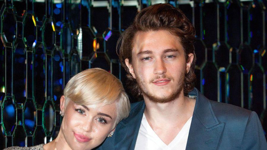 Gia đình Miley Cyrus đón thành viên mới
