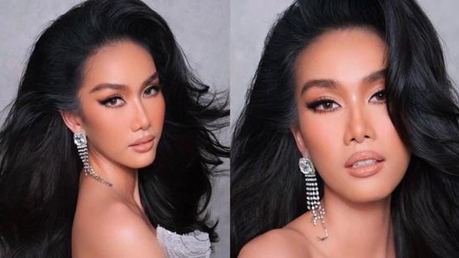 Á hậu Phương Anh học make-up để thi Hoa hậu Quốc tế