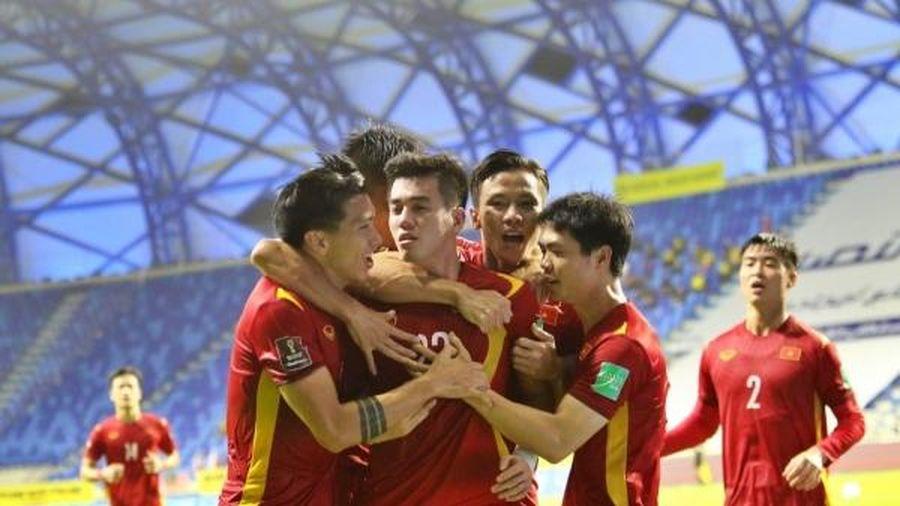 HLV Park Hang-seo cảm ơn các học trò, đội trưởng Quế Ngọc Hải tự hào về tập thể ĐT Việt Nam