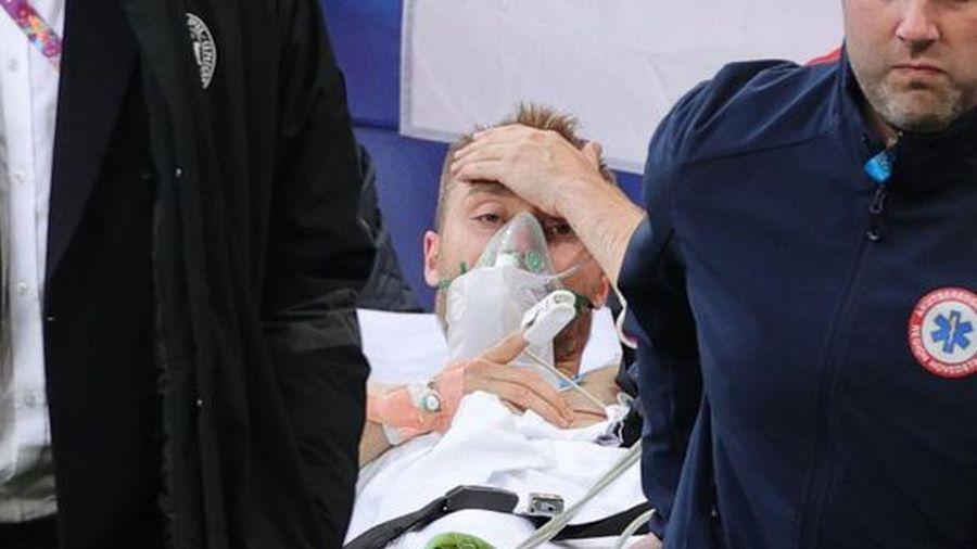 Eriksen đột quỵ ngay trên sân, hiện đã tạm qua cơn nguy kịch