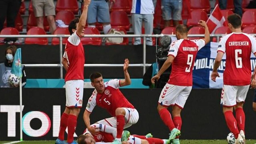 Cầu thủ Eriksen của Đan Mạch đột quỵ ngay khi đang thi đấu Euro 2021