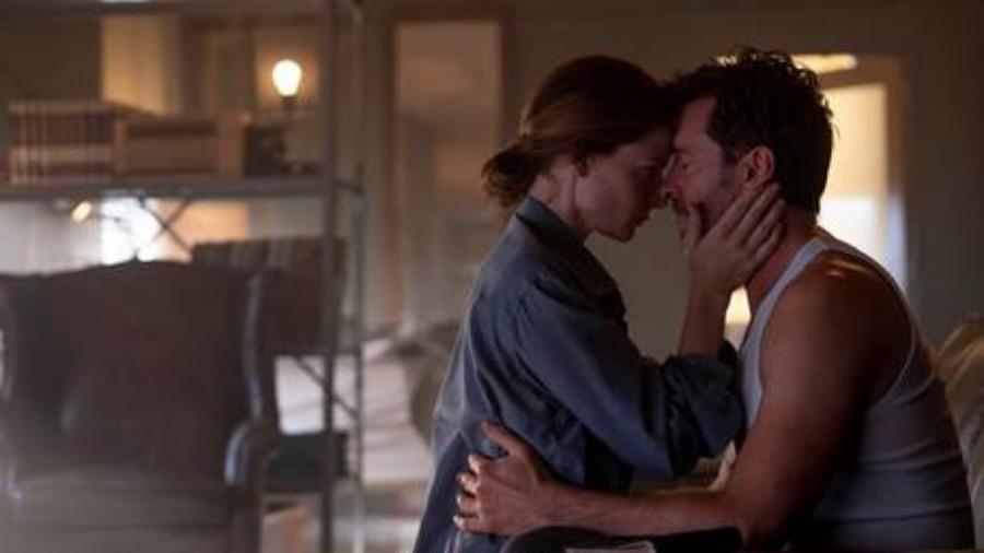 Hugh Jackman lần theo dấu vết ký ức trong trailer mới của Reminiscence