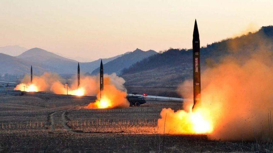 Toan tính của Mỹ khi 'cởi trói' cho tên lửa Hàn Quốc