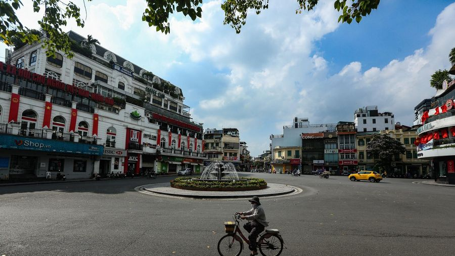 Mặt bằng bán lẻ ở Hà Nội 'đỏ mắt' tìm khách thuê