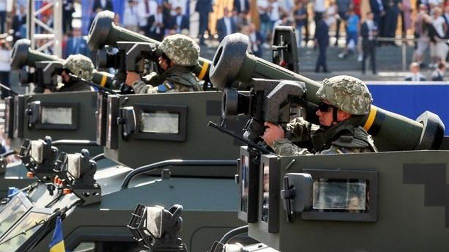 Reuters: Mỹ bắt đầu chuyển vũ khí cho Ukraine