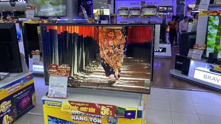Tivi, máy chiếu hút khách mùa Euro
