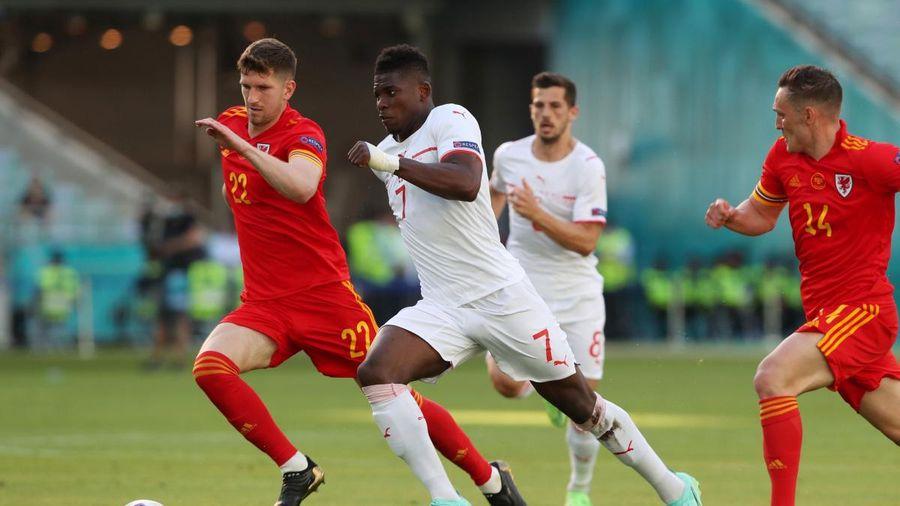 EURO 2020: Xứ Wales giữ được kết quả hòa 1-1 trước Thụy Sĩ nhờ công nghệ VAR