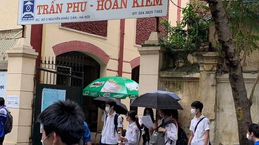 Sáng 13/6: Thí sinh thi vào lớp 10 công lập tại Hà Nội thi 2 môn Toán và Lịch sử