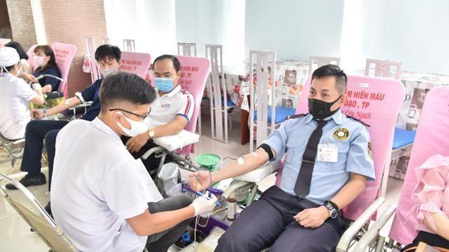 TP.HCM: Lượng máu dự trữ đang ở mức thấp báo động
