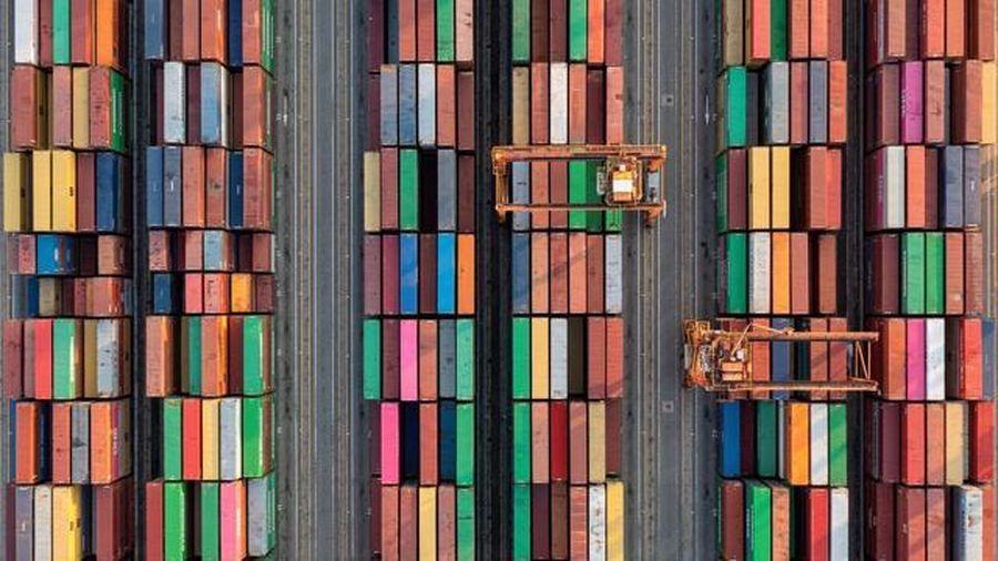 Chuỗi cung ứng toàn cầu 'ngàn cân treo sợi tóc' trước đợt bùng dịch Covid-19 mới ở châu Á