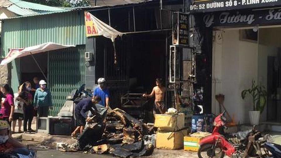 Nghi hàn sắt gây cháy nhà ở Sài Gòn, nhiều tài sản bị hư hỏng