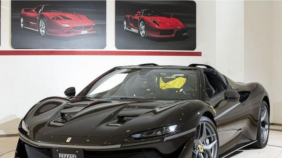 Ferrari J50 hàng hiếm được rao bán giá gần 7 triệu USD