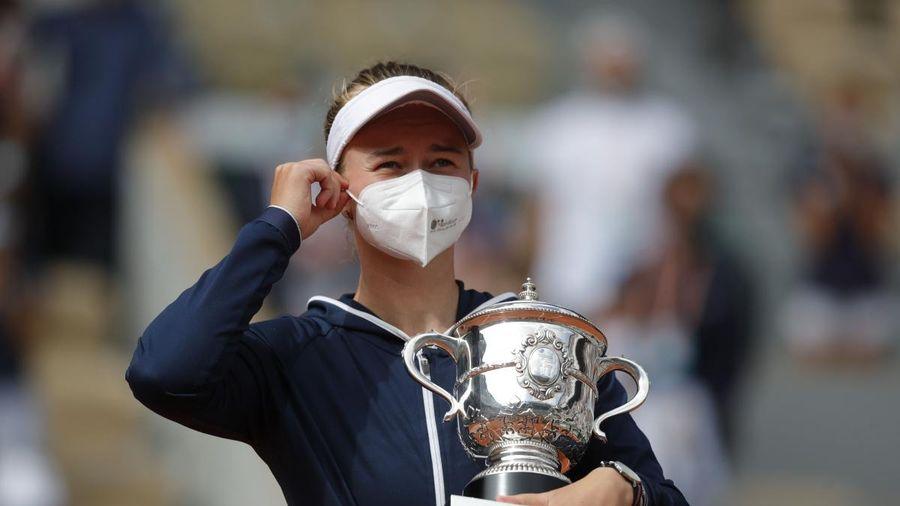 Tay vợt 'vô danh' lần đầu vô địch đơn nữ Roland Garros