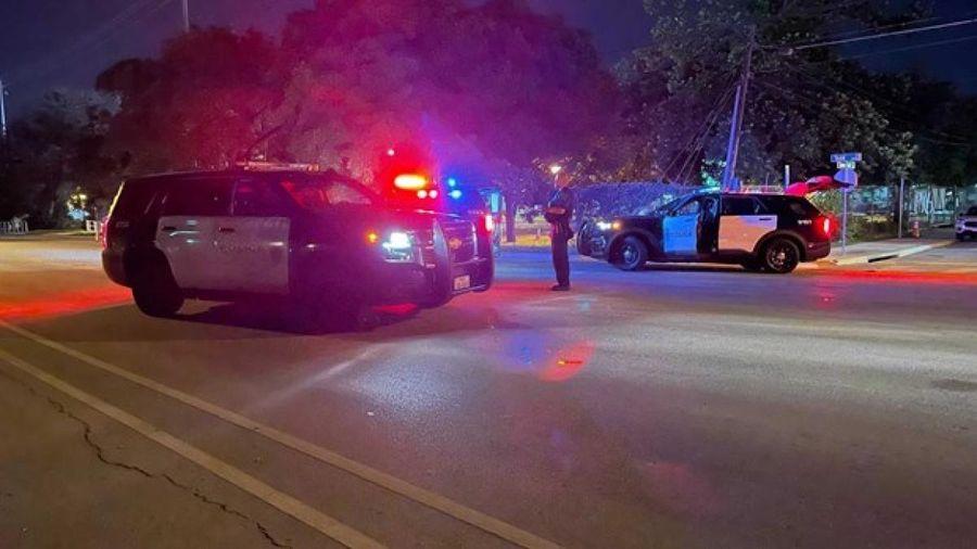 Cảnh sát Mỹ truy tìm 2 kẻ tình nghi trong vụ xả súng khiến 14 người bị thương ở bang Texas