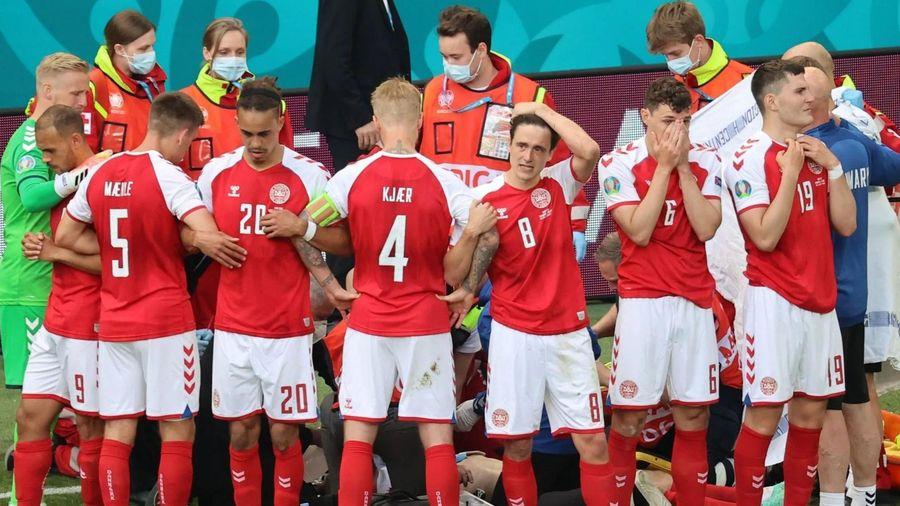 Vì sao các cầu thủ Đan Mạch phải dựng rào che chắn cho Eriksen