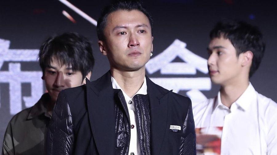 Chân Tử Đan và Tạ Đình Phong khóc tại LHP Quốc tế Thượng Hải