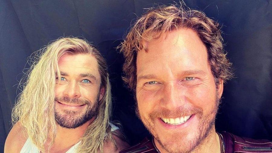 Lời chúc sinh nhật hài hước Chris Hemsworth dành cho Chris Evans
