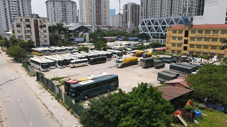 Bãi 'lậu' xe khách gây rối loạn đô thị trung tâm