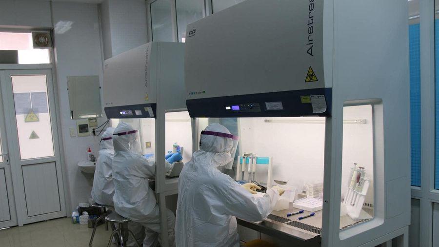 Hà Nội có thêm ba trường hợp dương tính với SARS-CoV-2