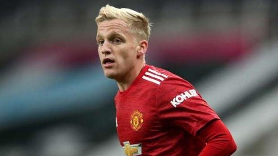 Chuyển nhượng cầu thủ Man Utd: Chốt Jadon Sancho; Arsenal 'thương' Van de Beek dự bị; đua ký Saul Niguez