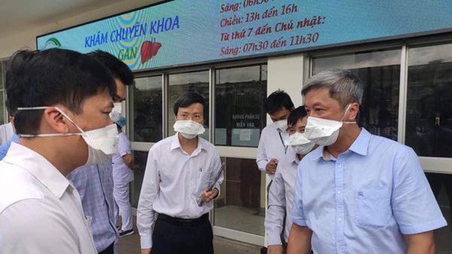 Thứ trưởng Nguyễn Trường Sơn 'cắm chốt' tại TP.HCM chống dịch