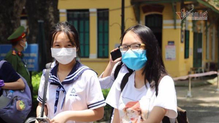 Bất ngờ và 'giá như' với đề thi chuyên Văn vào lớp 10 của Hà Nội