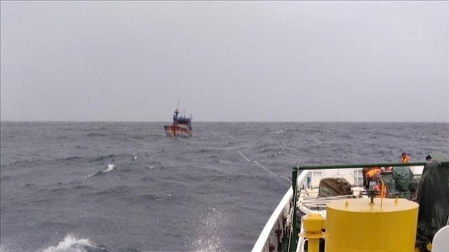Tìm thấy một trong hai ngư dân Thanh Hóa bị mất liên lạc trên biển