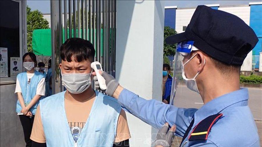 Trưa 14/6, Việt Nam ghi nhận 100 ca mắc mới COVID-19