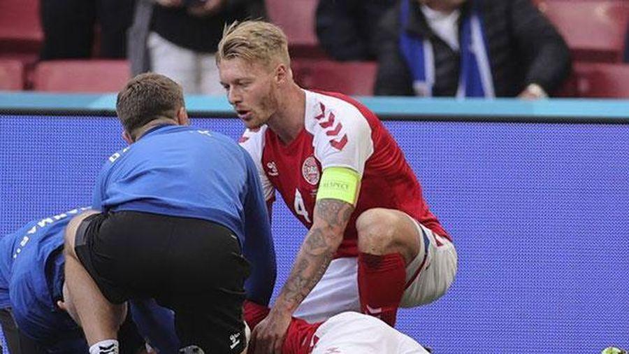 Bác sĩ tiết lộ tim Eriksen ngừng đập trước khi được cứu sống