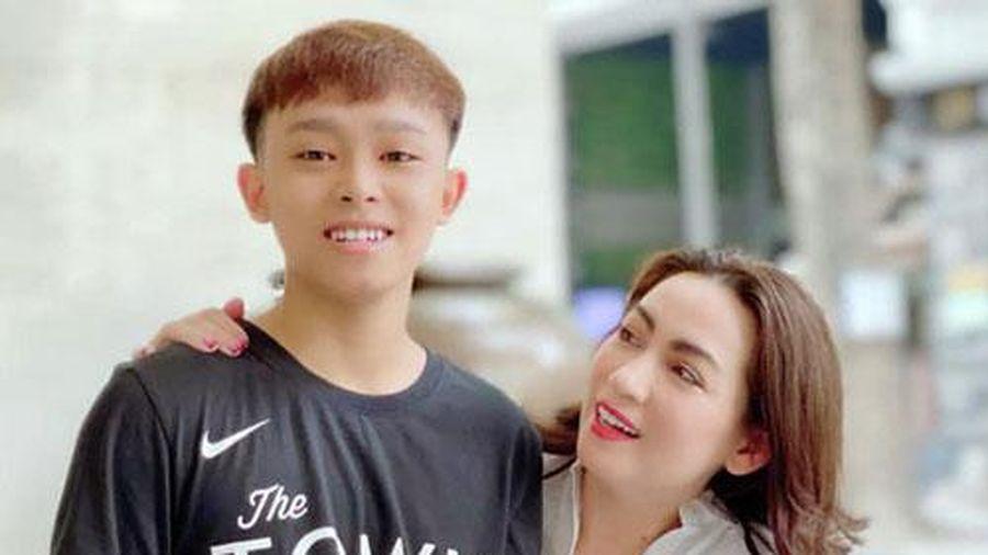 Cộng đồng mạng 'làm toán' tính doanh thu từ Youtube của Hồ Văn Cường, vượt xa con số 1 tỷ đồng mà Phi Nhung công bố?