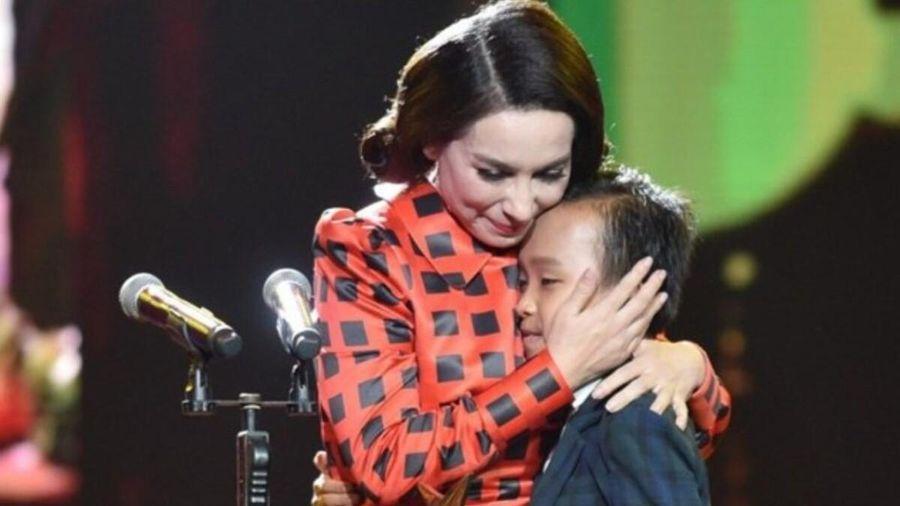 'Cha đẻ loạt hit của Cẩm Ly' nói Phi Nhung trả cát-sê cho Hồ Văn Cường: Cha mẹ, anh chị người ta đói khổ