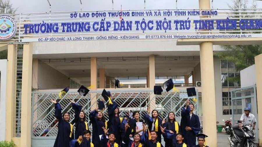 Trường Trung cấp dân tộc nội trú Kiên Giang: Hiệu quả từ việc đổi mới phương thức đào tạo