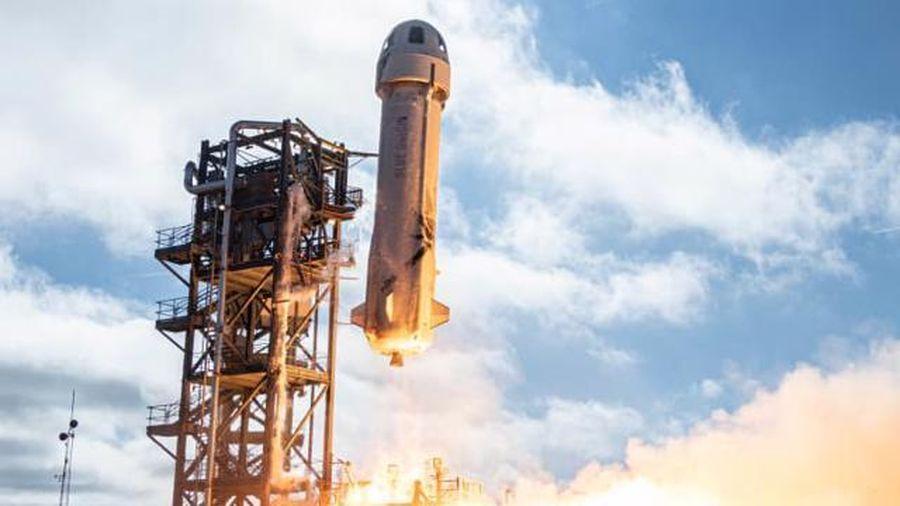 Bí ẩn nhân vật chi 28 triệu USD để cùng bay vào vũ trụ với Jeff Bezos
